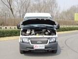 2015款 经典全顺 2.4L汽油短轴6座中顶多功能车4G64S4N